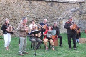 """Concert du groupe """"Tiré-Poussé"""" - Samedi 26 Mai - 20h00 - Saint-Bonnet-de -Joux - Eglise"""